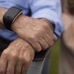 Zembro, il braccialetto smart per gli anziani
