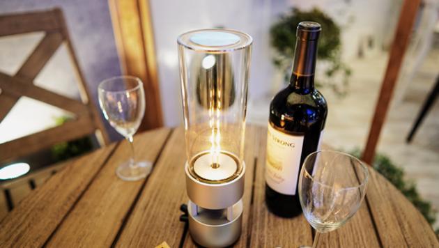 Glass Sound Speaker, è la lampada di Sony che riproduce anche musica
