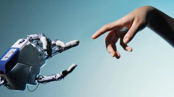 Commissione Europea: i robot acquisteranno presto un status giuridico
