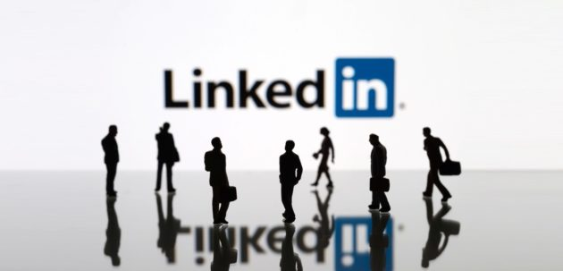LinkedIn cambia look e introduce le chat in tempo reale nella versione desktop
