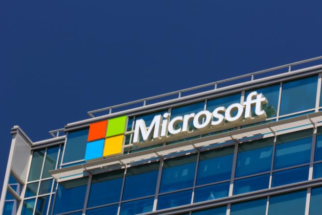 Microsoft: in arrivo uno smartphone pieghevole?