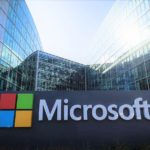 Microsoft presenterà uno smartphone pieghevole nel 2018