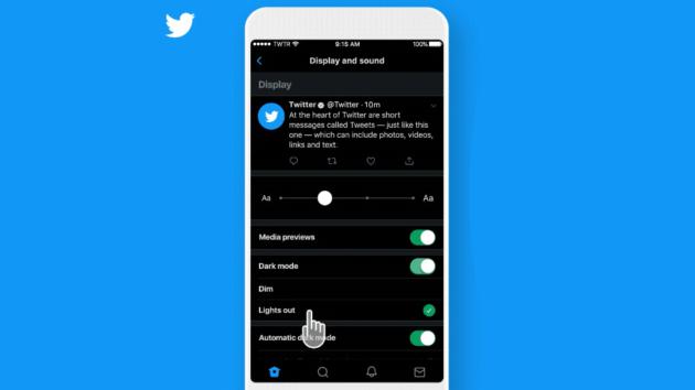 Twitter: tema 'ancora più scuro' in arrivo su iOS