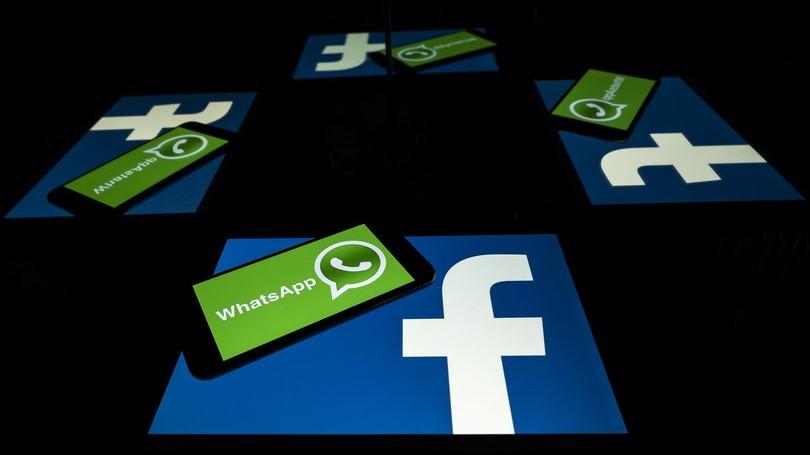 WhatsApp 'Condividete i vostri dati con Facebook oppure tanti saluti'